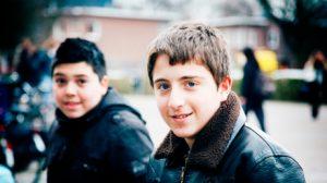 PIT twee_jongens_kijken_in_camera_bert_de_jong_460
